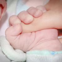 Inilah Tahapan Perkembangan Indra Pendengaran Si Kecil yang Bayi Moms