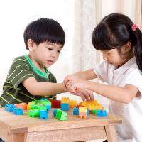 Alasan Si Kecil Enggan Berbaur dengan Teman Sebayanya