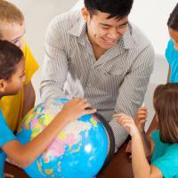 Ini yang Harus Dads Perhatikan Saat Pilih Sekolah untuk Si Kecil!