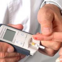 Supaya Sehat dan Bebas Diabetes Jangan Lupa Cek Gula Darah Setelah Persalinan Ya Moms!