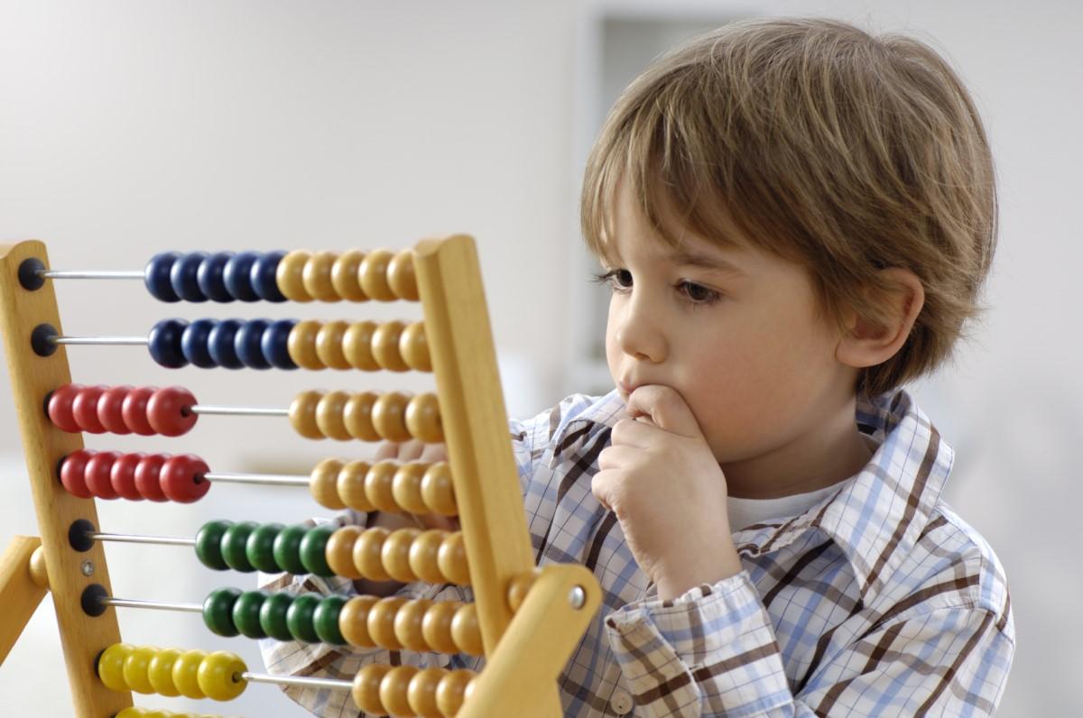 Cara Mudah dan Menyenangkan Mengajari Si Kecil Berhitung Nih Dads!