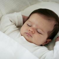 Tips Si Kecil yang Baru Lahir Bisa Tidur dengan Aman dan Nyaman