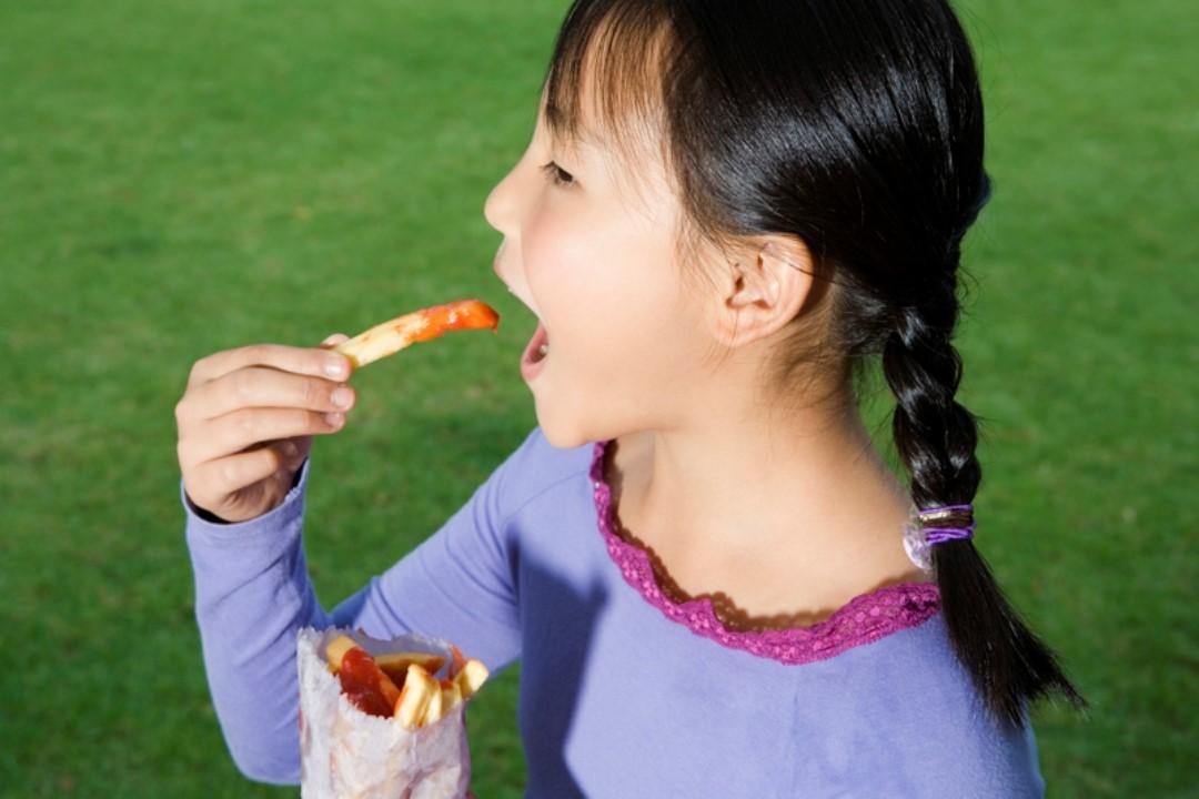 Hati-Hati Ibu, Fast Food Bisa Turunkan Kecerdasan Anak
