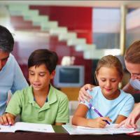 Ayah, Ini Pentingnya Pendidikan Karakter Bagi Anak