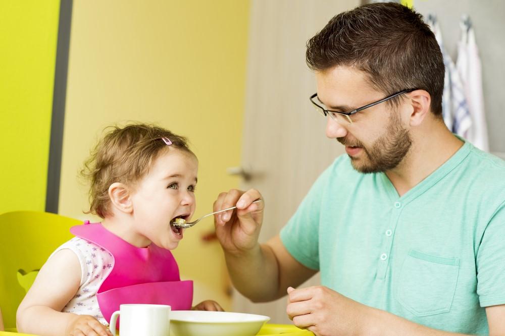 Ingin Sukses Mengasuh Anak Perempuan? Ayah Bisa Pakai Cara Ini!