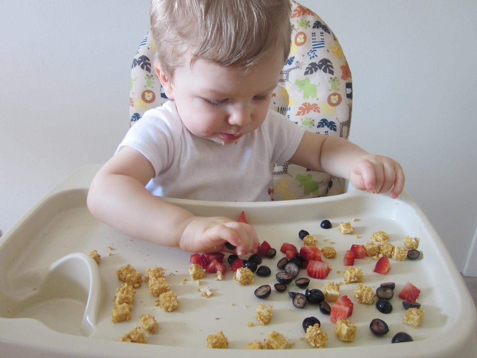 Panduan Mengenalkan Finger Food pada Bayi