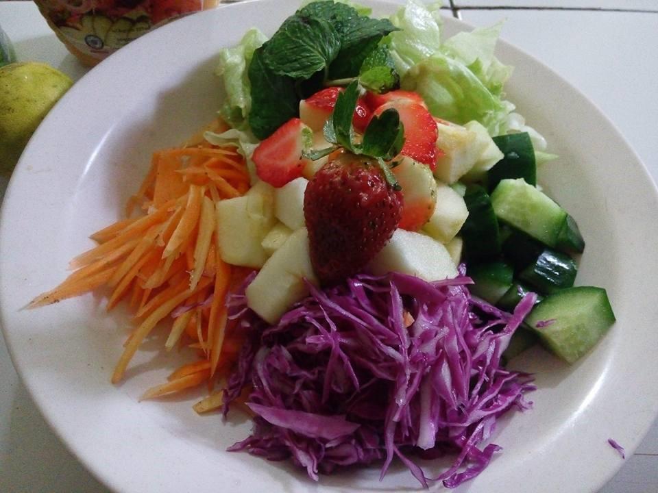 Salad Merah Segar, Lezat dan Bisa Melancarkan ASI