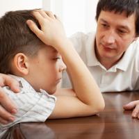 Ayah, Inilah Manfaat Melatih Disiplin Anak Sejak Usia Dini