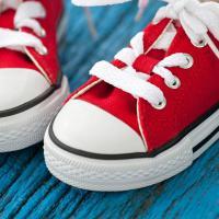 Panduan Memilih Sepatu untuk Anak yang Sedang Belajar Jalan