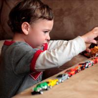 Tips Mengenali Gejala Autisme Sejak Usia Dini
