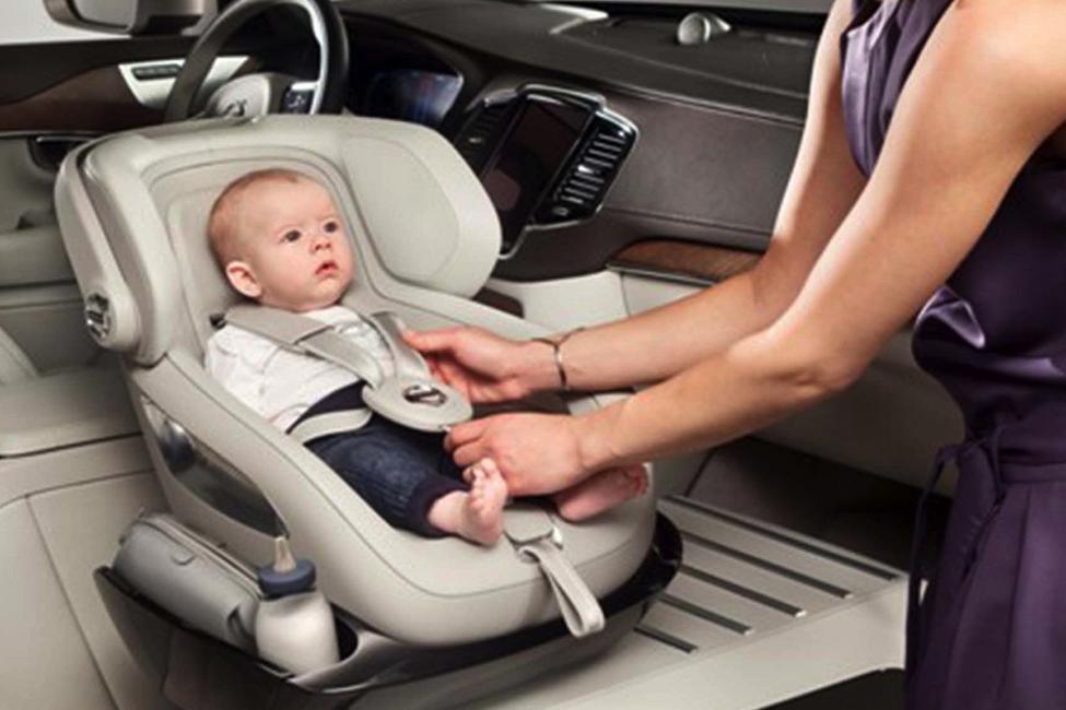 Batasi Waktu Anak Duduk di Car Seat Mulai Sekarang!