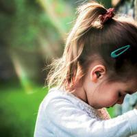 Jangan Khawatir, Ini Cara Hilangkan Stres Pada Anak
