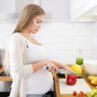 Buat Vegetarian, Begini Caranya Memenuhi Gizi Selama Masa Kehamilan!