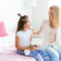 Moms, Yuk Tanamkan Konsep Benar & Salah Sejak Dini