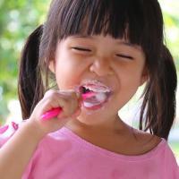 Si Kecil Malas Sikat Gigi? Ini yang Sebaiknya  Dads Lakukan