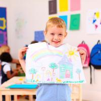 Tips Mendidik Anak Kreatif Sejak Kecil