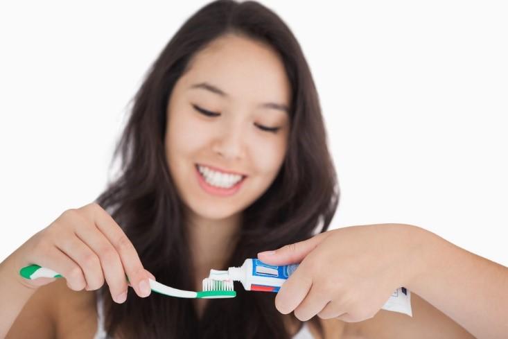 Menjaga Kesehatan Mulut Bisa Cegah Kanker Saat Hamil Lho!