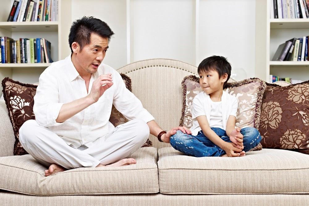 Si Kecil Takut Mengaku Salah. Apa Yang Harus Dads Lakukan?