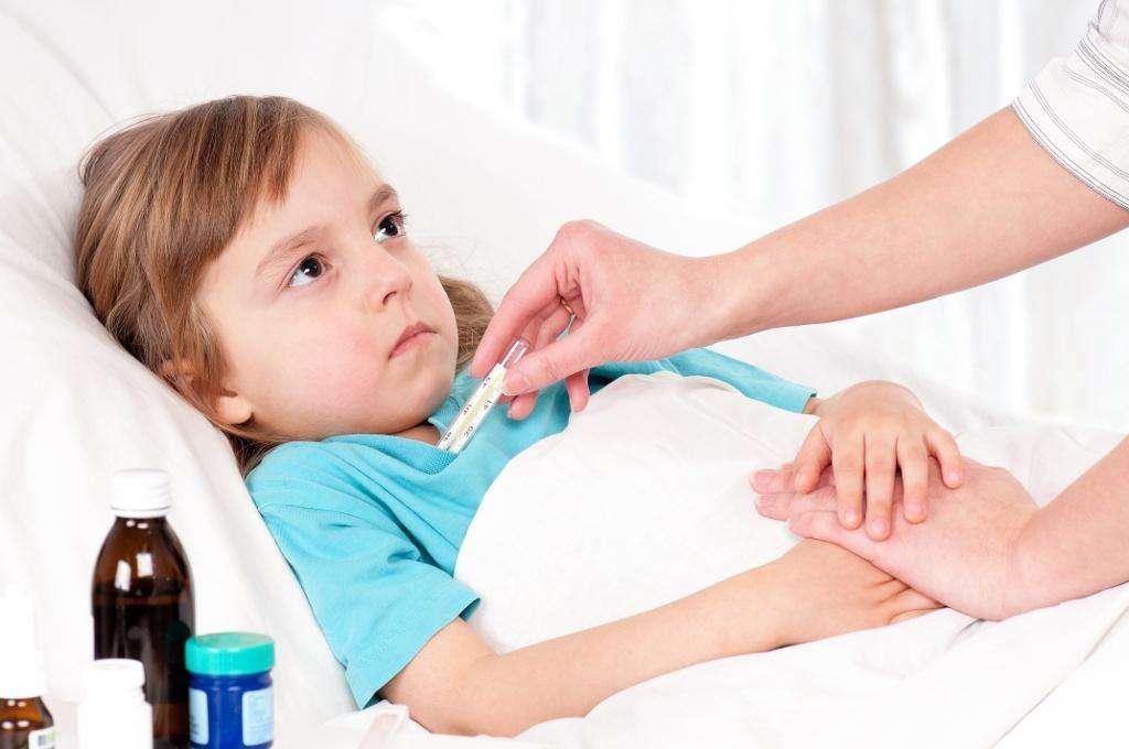 Si Kecil Diserang Radang Tenggorokan? Ini yang Harus Moms Lakukan!