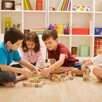 Apakah Si Kecil Butuh Play Therapy? Kita Cek Yuk Cirinya