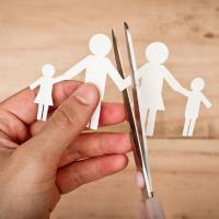 Dampak Jangka Panjang, Perceraian Bisa Sebabkan Si Kecil Sulit Menjalin Hubungan Sehat