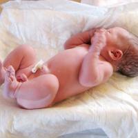 Home Birth Sedang Tren. Apakah Aman Dilakukan?