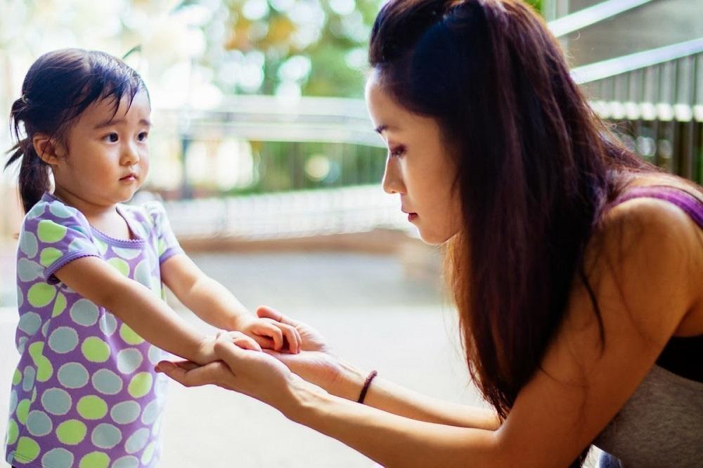 Tips Mengatasi Anak yang Suka Memukul atau Bicara Kasar