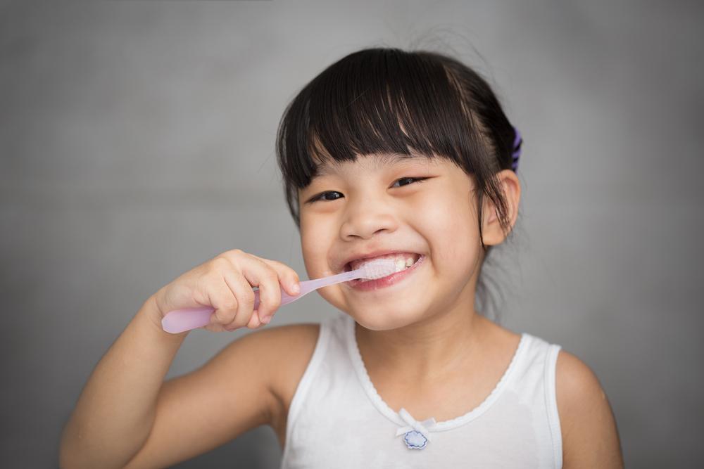 Trik Ajarkan Si Kecil Menyikat Gigi Dengan Cara Menyenangkan