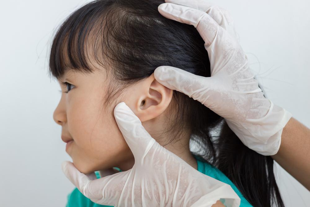 Catat Moms, Ini Hal Sepele Yang Bisa Sebabkan Pendengaran Si Kecil Terganggu!