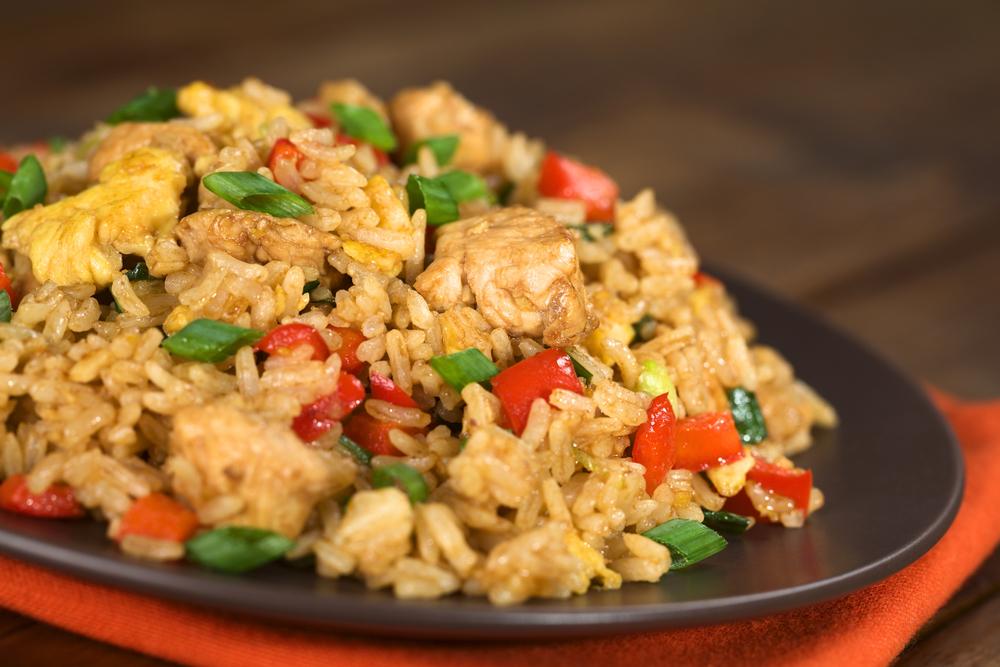 Santap Spesial, Nasi Goreng Rendang Ayam Crispy!