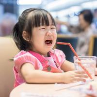 Dads, Ini Cara Praktis Mengatasi Si Kecil Yang Rewel dan Manja
