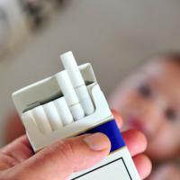 Ingin Punya Anak Sehat? Ini Kebiasaan Buruk Yang Harus Dads Hilangkan