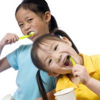 Mulai Kapan Si Kecil Harus Sikat Gigi?