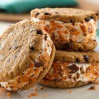 Resep Spesial Cookies Kacang dengan Ice Cream Pisang