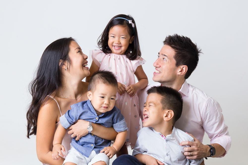 Bukan Hanya Memberi Nafkah, Ini Peran Dads dalam Keluarga!