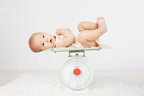 Kenali Pertumbuhan Bayi, Bagaimana Berat Badan Ideal Usia 0-12 Bulan?