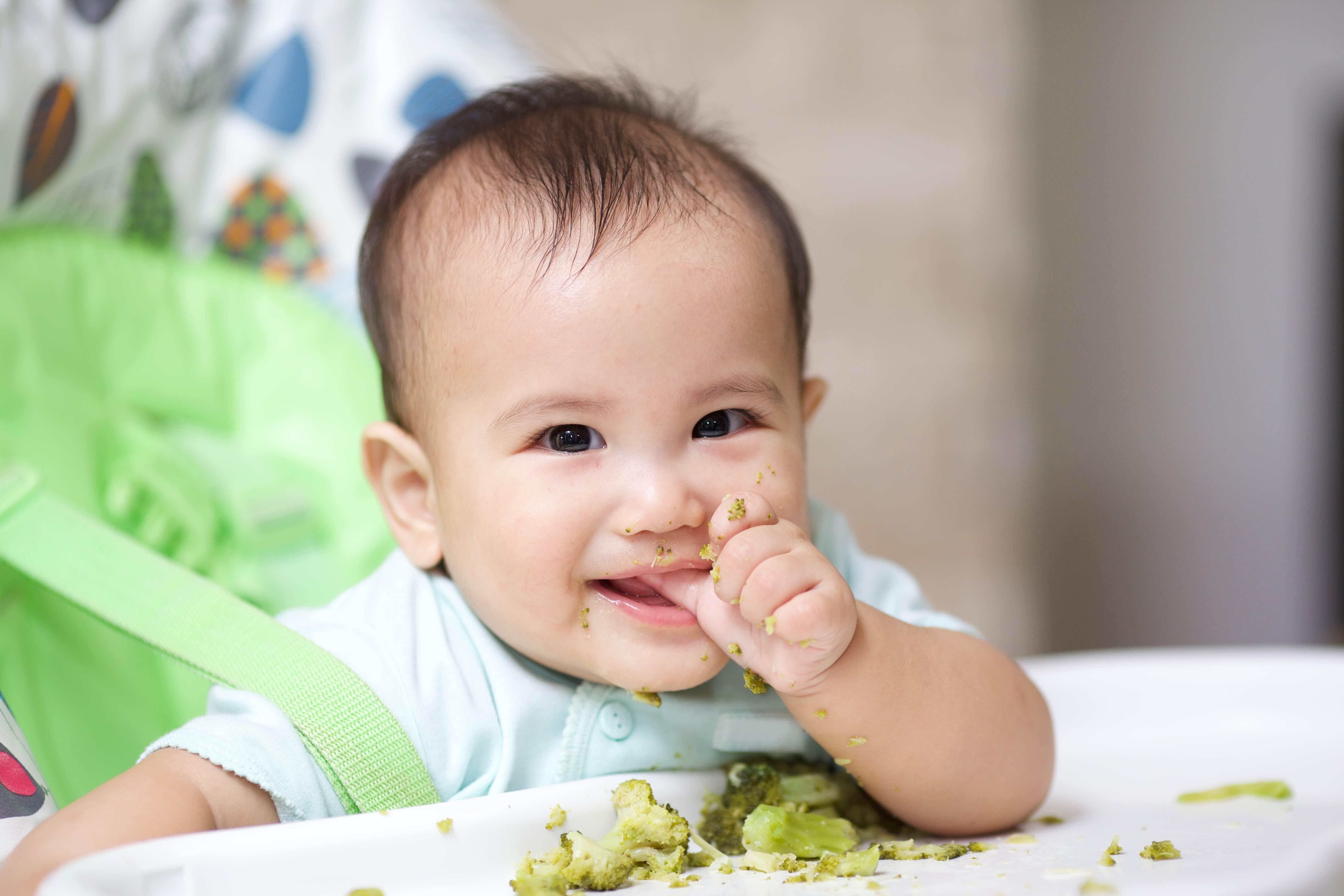 Yuk Moms Mengenal MPASI Bayi Usia 7 bulan