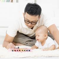 Stimulus yang Bisa Dilakukan Orang Tua Pada Bayi Dua Bulan