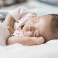 Pilih Popok Terbaik agar Si Kecil Bisa Tidur dengan Nyaman