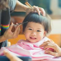 Tips Aman Mencukur Rambut Bayi di Masa Pandemi